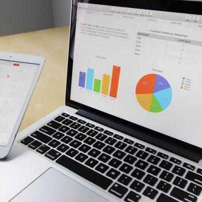 2018年最新データから見る広告の動向とラッピングカー